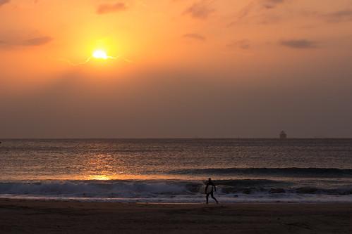 tamronaf70300mmf456divcusdif tamron70300mmf456divcusm sunrise sunset oceam sea water cloud sun surfer boat ship shore coast
