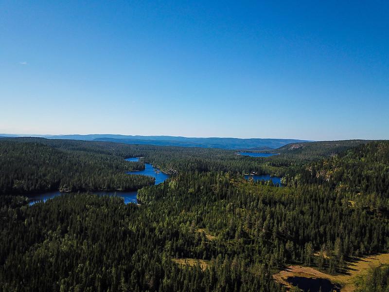 08-Utsikt mot Vrangen og Mellomdammen (drone)