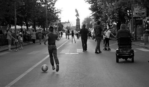 evening veče street ulica city citycenter grad centar people ljudi day dan krusevac photo photography camera nikon d3200 serbia srbija serbien laserbie fotografija