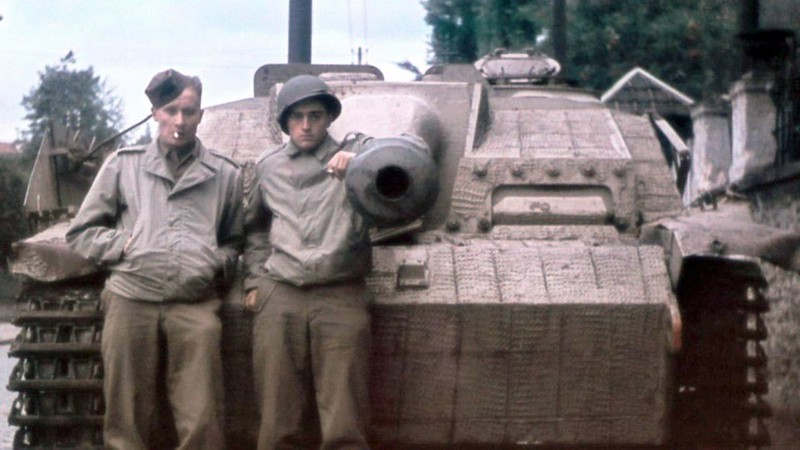 StuG 40 Ausf.G a Stafeeva Američané