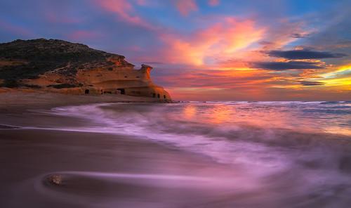 sunset red españa beach spain bravo day cloudy andalucia murcia canon350d digitalrebelxt almería cala aguilas calacerrada pulpí tokina1116 caladeloscocedores costatranquila calacocedores