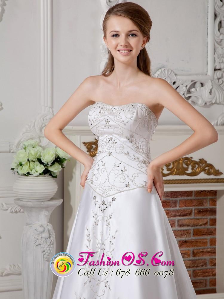 Troutdale Ohio Plus size Column bridal gowns | gorgeous brid ...