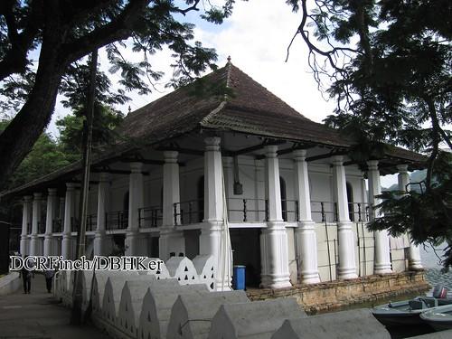 building heritage architecture colonial columns historic british srilanka ceylon guide kandy kandyan