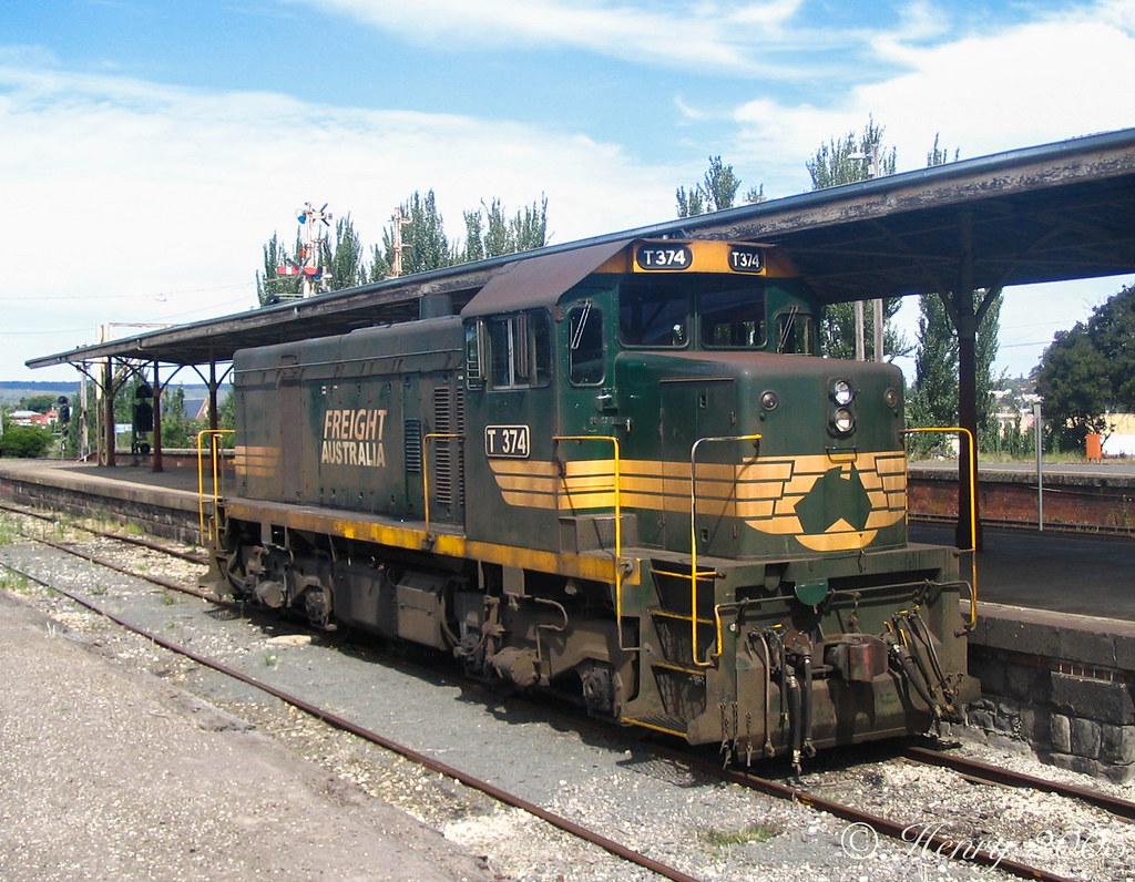 T374 at Ballarat by Henry Owen