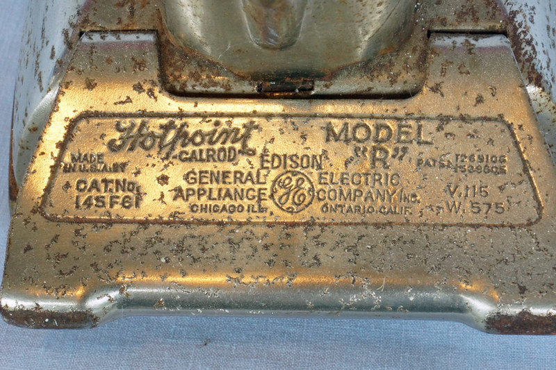 DSC01945 Hotpoint Model R Edison Calrod Iron
