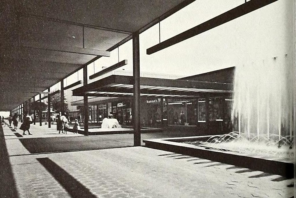 Roosevelt Field Mall, 1960 | (Shopping Town USA, the plannin… | Flickr