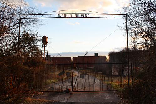 park sunset abandoned canon fence eos rebel gate industrial jessica warehouse jess p xs petro limerick entrace linfield jessp jesspetro petrohoy