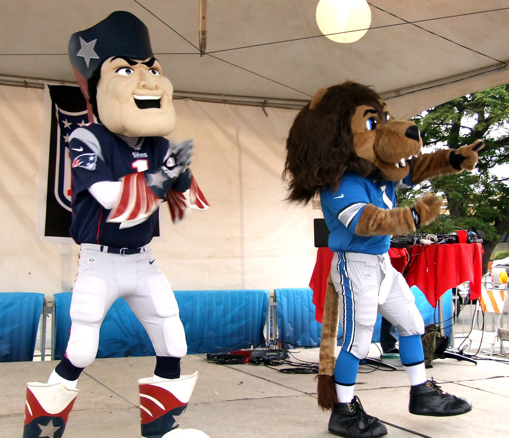 Nfl Mascots Pat The Patriot And Roary Of The Detroit Lio