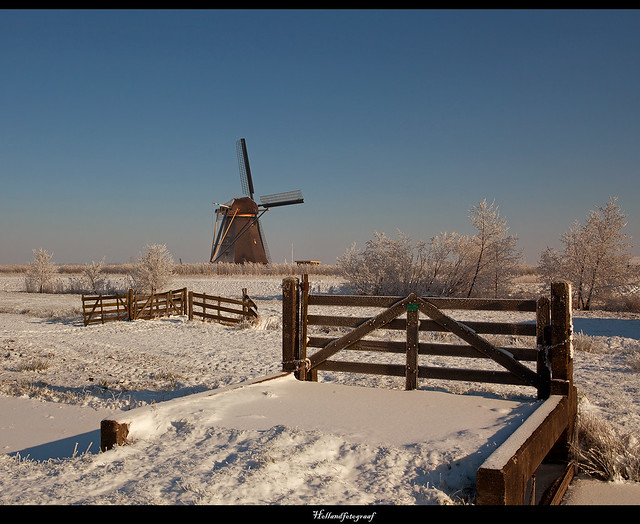 A Dutch winter scene