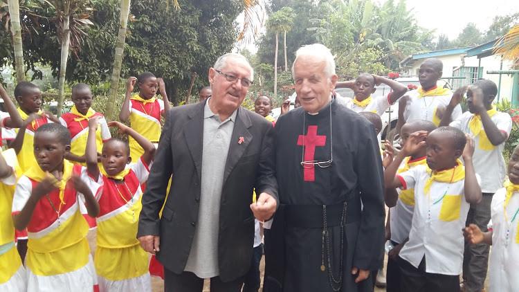 Tabaka, Fr. Albano e P. Avi