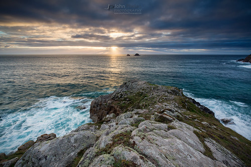 cornwall pen nanven rocks cliffs sea ocean sun sunset cloud brisons coast seascape