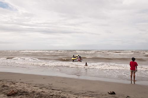 sea beach boys waves wave raft seashore bigwaves roughsea boysonthebeach turbulentsea