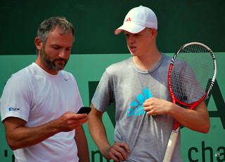 Kyle Edmund & coach/trainer