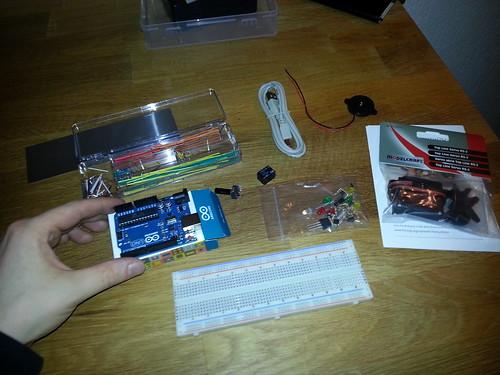 Die Einzelteile des Arduino Starter Kit von Fritzing