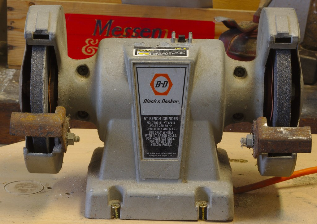 Enjoyable Black Decker Bench Grinder Information About This Tool C Dailytribune Chair Design For Home Dailytribuneorg