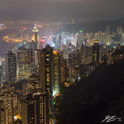 hong kong island china 1x1 square victoria peak view cityscape skyline landscape city night evening long exposure buildings towers skyscraper dark sony a7r zeiss 55mm sel55f18z