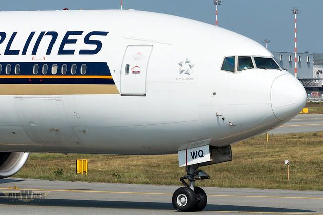 Singapore Airlines Boeing 777-312ER 9V-SWQ - Milan Malpensa International Airport-