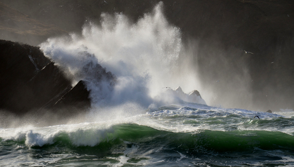 Waves crashing on to the rocks on Clogher beach | Explore | Barbara