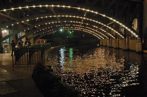 usa sanantonio texas nightlife riverwalk nightreflection