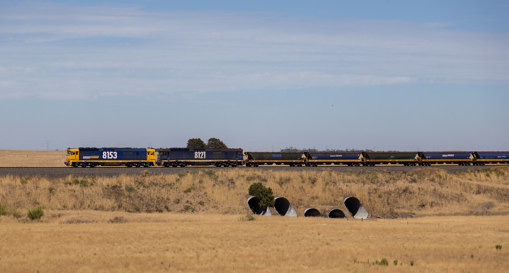 8153 and 8121 at Berrybank by michaelgreenhill