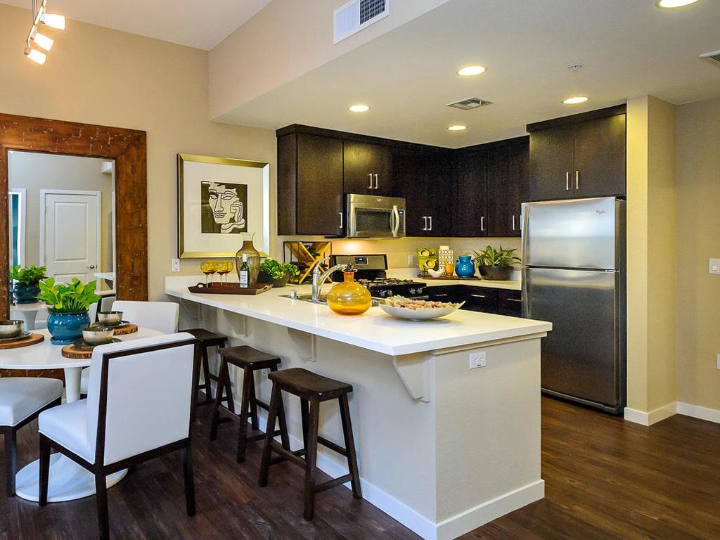 Farallon • Plan F: Great Room & Kitchen 2