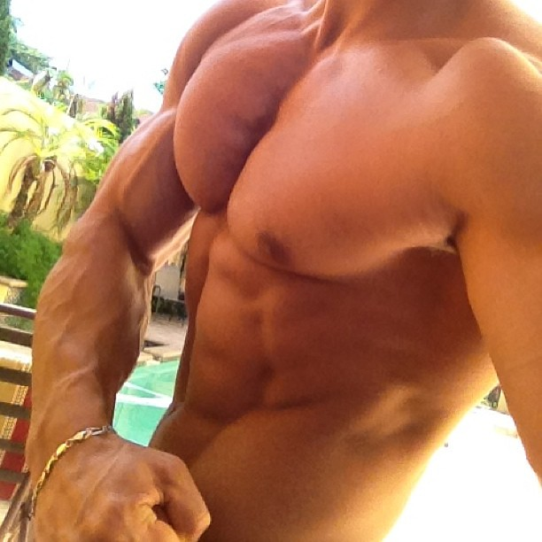 morning #workout by the #pool #bocaraton #miamimuscle #mu