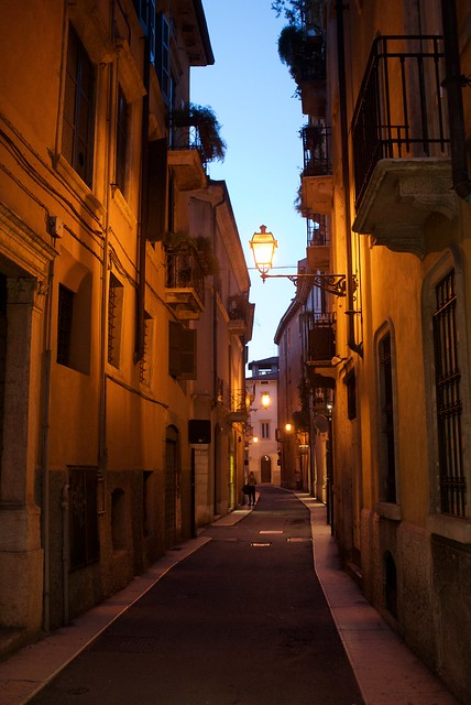 Lanterns of Verona (1/3)