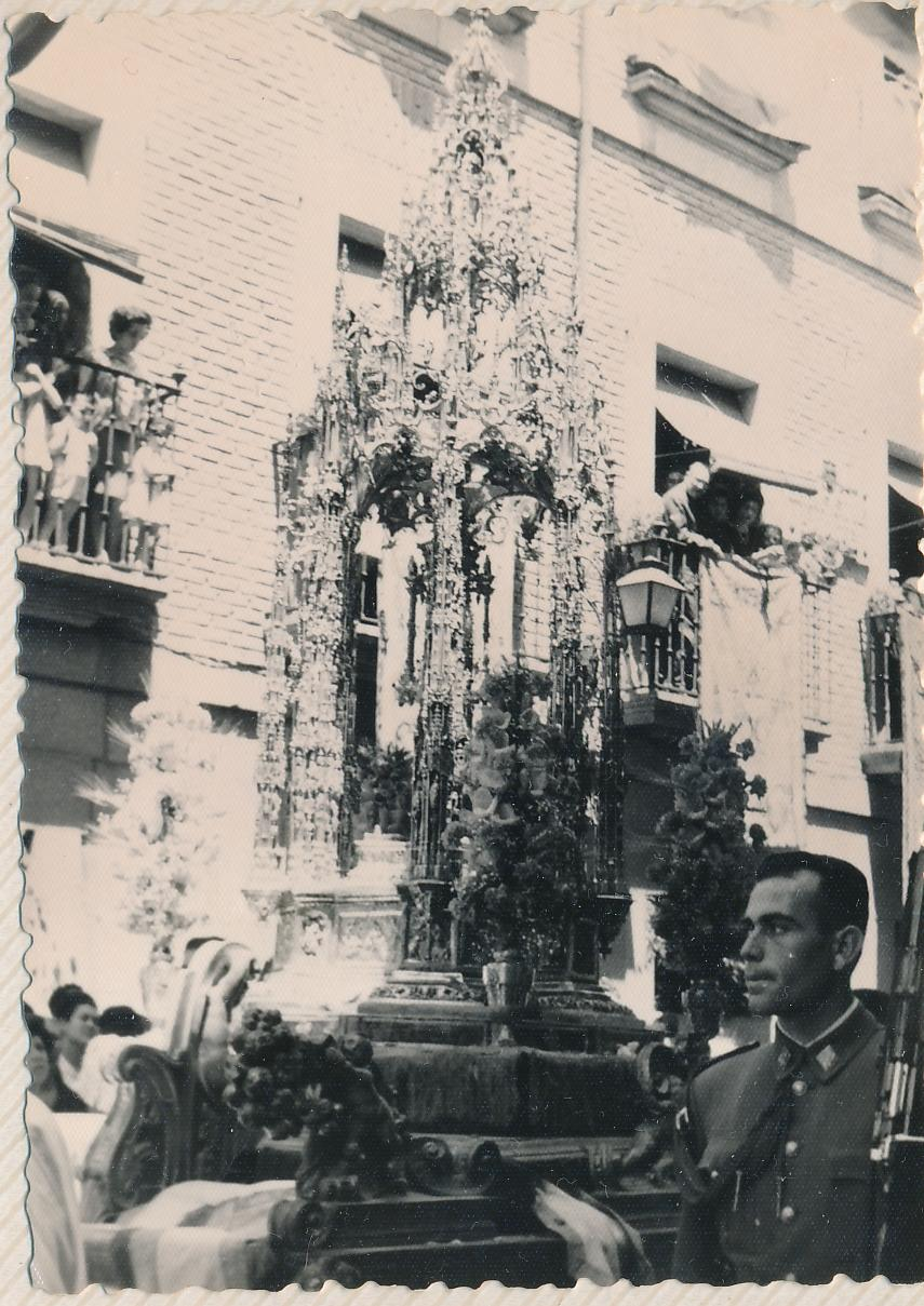 Procesión del Corpus Christi en Toledo en 1963. Fotografía de Julián C.T.