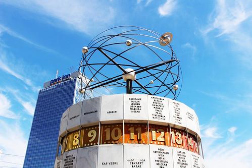 alexanderplatz Berlin horloge universelle | by blondgarden