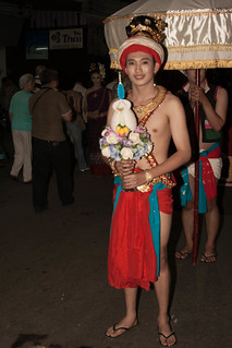 2012-11-28 Thailand Day 10 The annual Loy Krathong Festival and grand parade in Chiang Mai | by Qsimple, Memories For The Future Photography