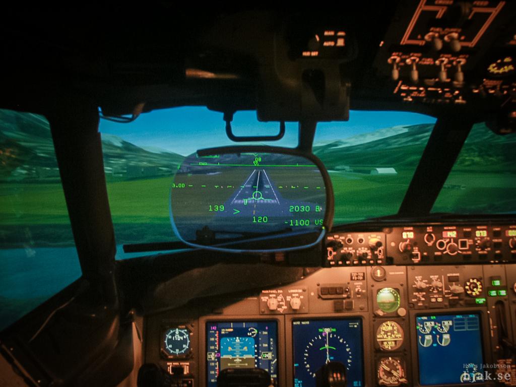HGS display in Boeing 737-700 Full Flight Simulator   Flickr