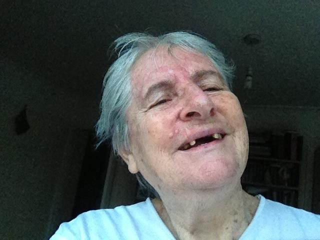 persona anziana che sorride