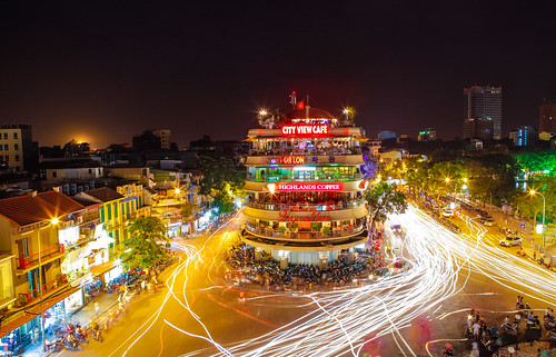 longexposure travel motion night buzzy asia southeastasia traffic transport center vietnam clear busy nightlife hanoi noisy hoankiemlake crowdy oldquarter hoguom capitalcity touristdestination traveldestination 117imagery