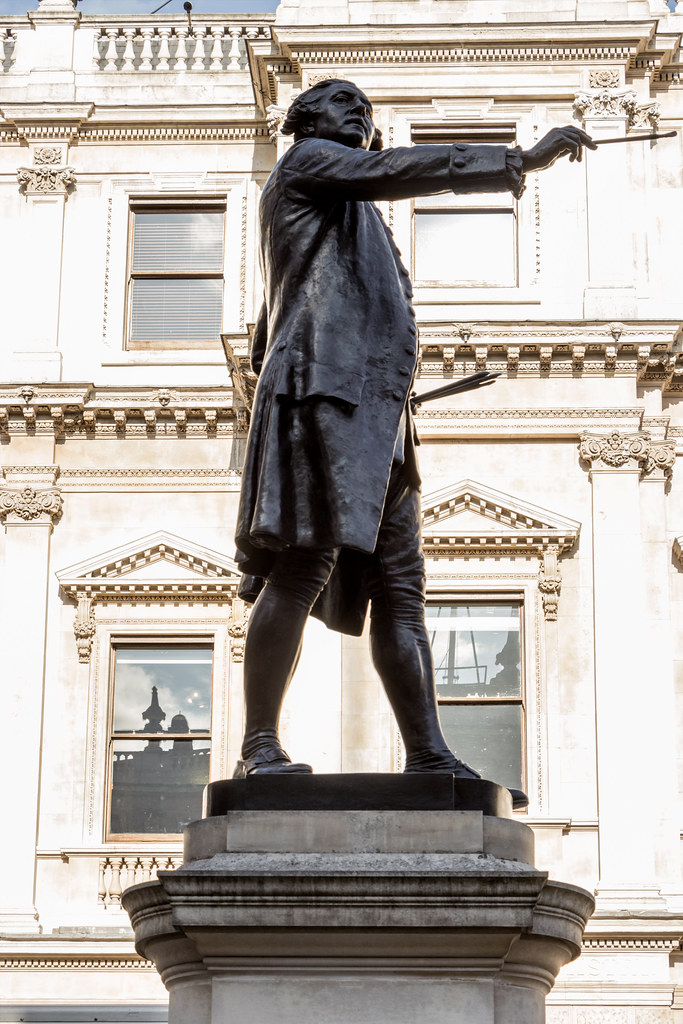Statue of Sir Joshua Reynolds, 1723 - 1792.  First President of the Royal Academy  Sculptor : Alfred Drury RA