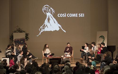 Simona Atzori all'Università del Dialogo