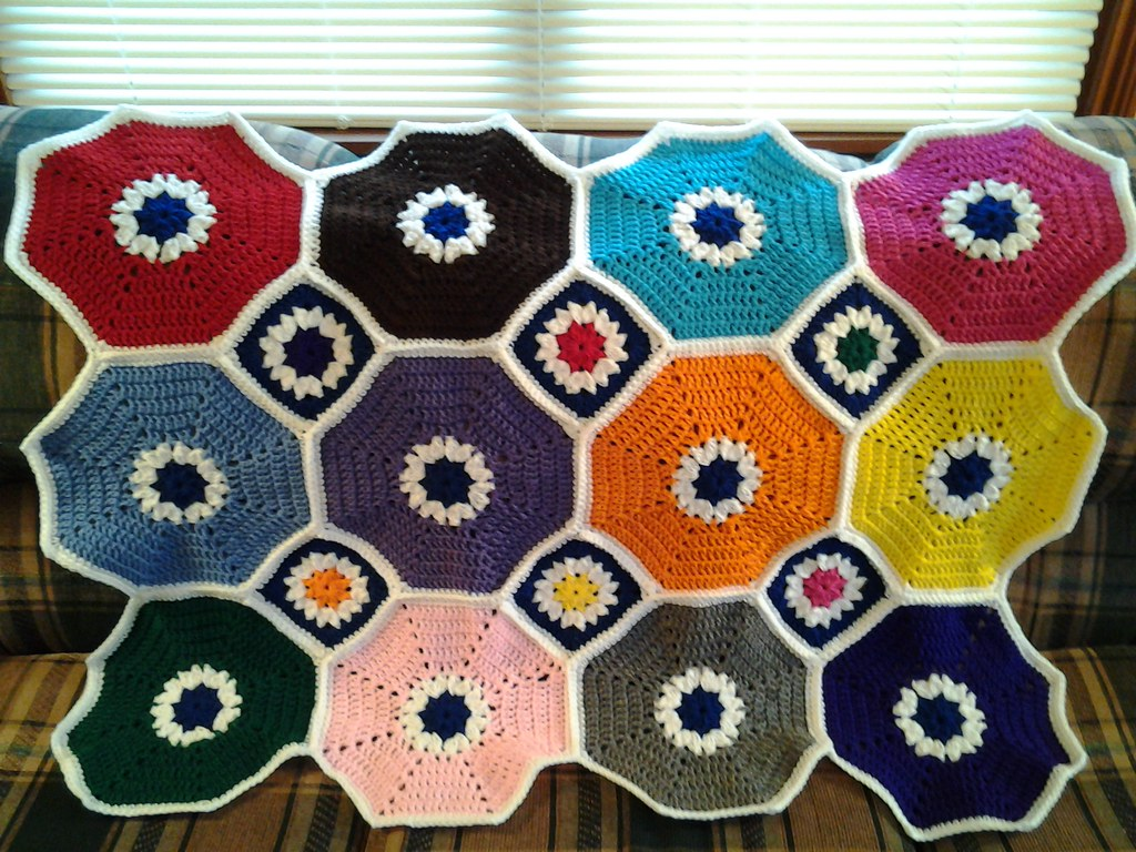 256a8c9de Octagon & Squares Throw Challenge by The Crochet Crowd | Flickr