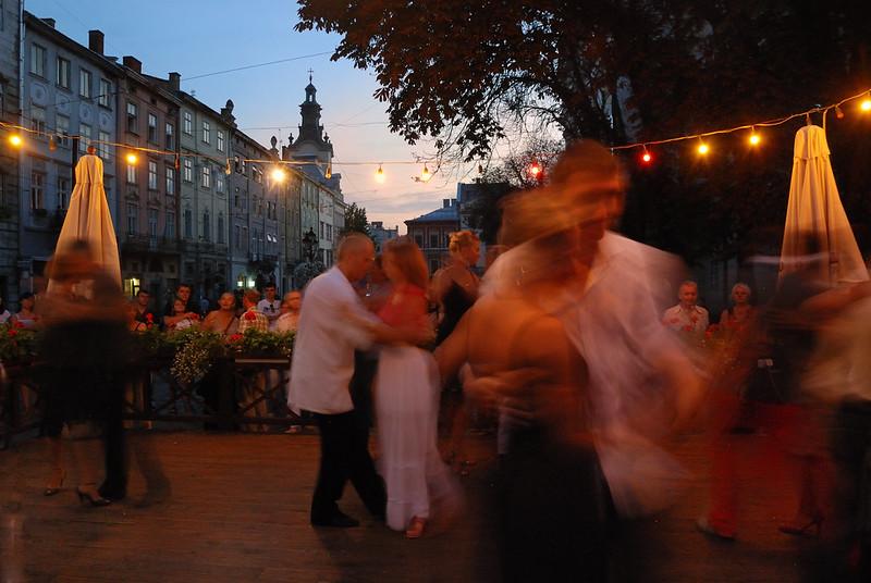 Place du marché (Ploshcha Rynok) . Lviv, Unesco World Heritage. Volhynie, Ukraine. 05/08/2012 - photo Bernard Grua DR