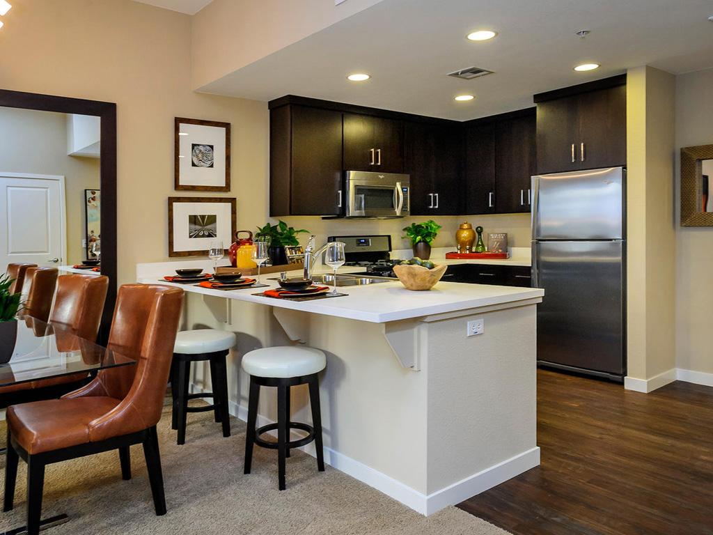 Bar Harbor • Plan B: Great Room & Kitchen 3