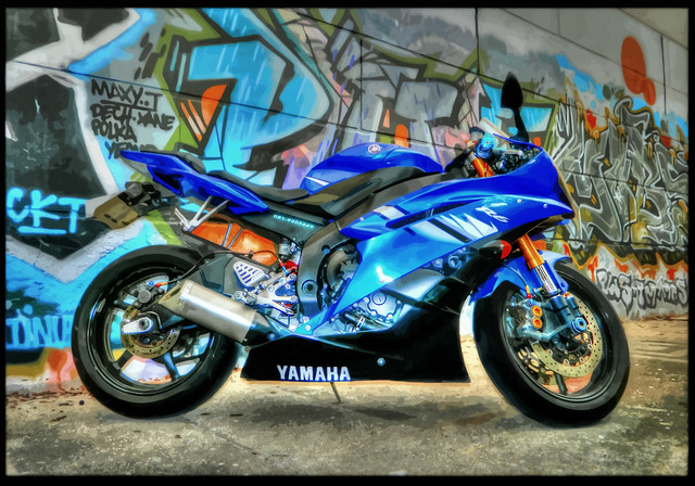 Yamaha R6 (Urban Camouflage): HDR / Tone Mapping / Vector Map