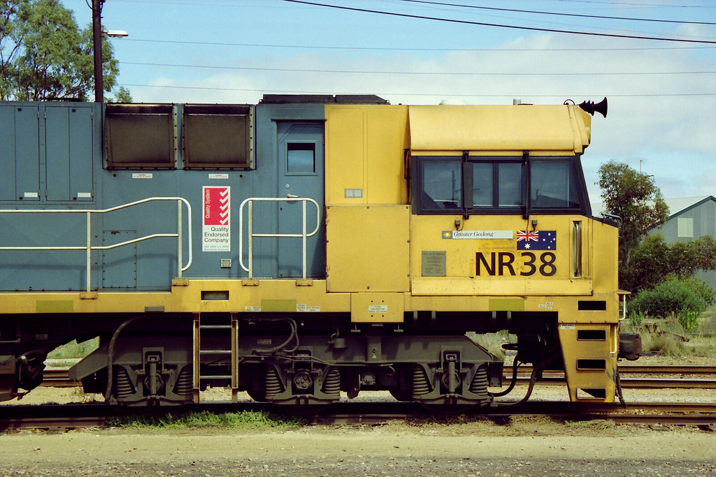 NR 38 Observers SIde Cab by Malleeroute