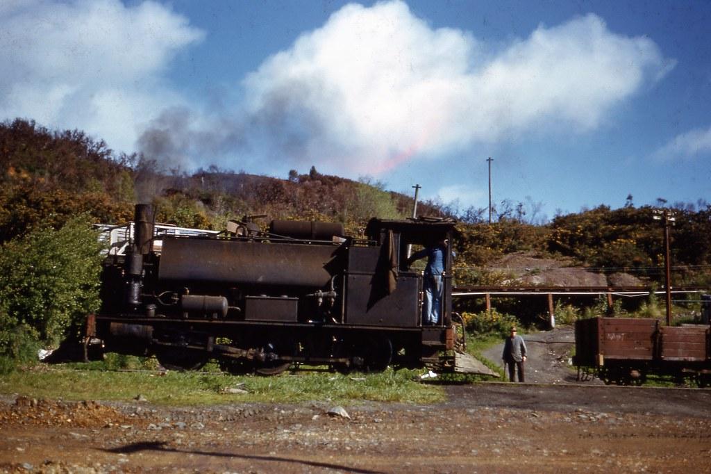 NZR 1957-11-23 F185 shunting at Rotowaro 1