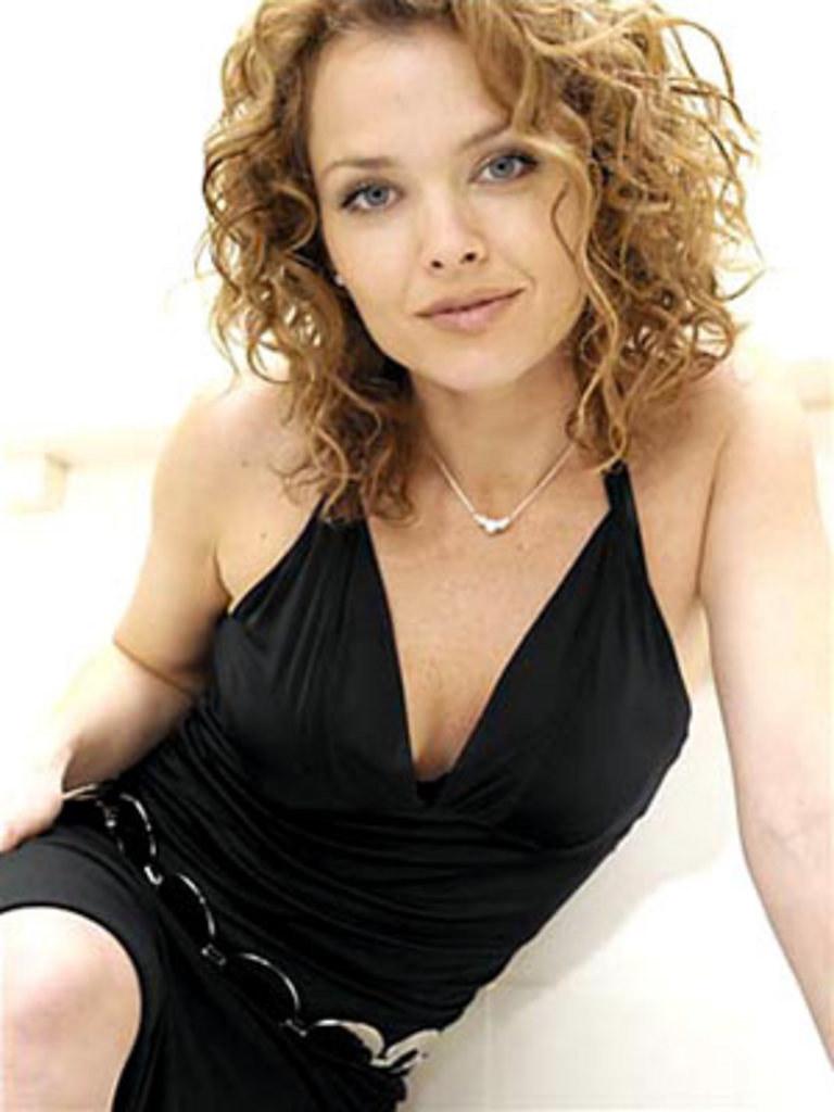 Dina Meyer Nude Photos 21
