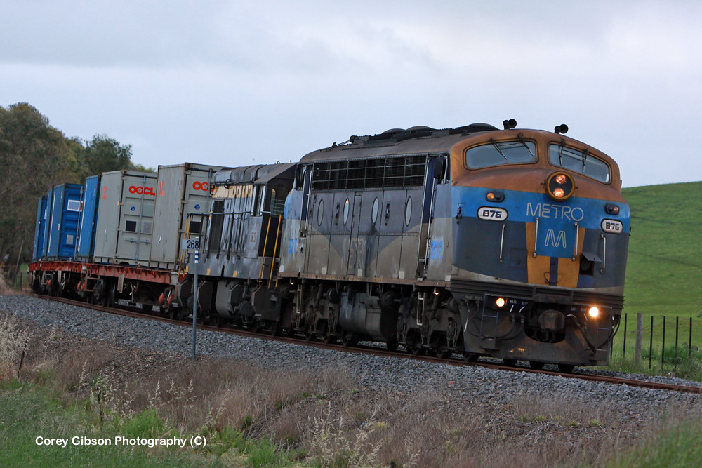 B76 & T341 Warrnambool Freight by Corey Gibson
