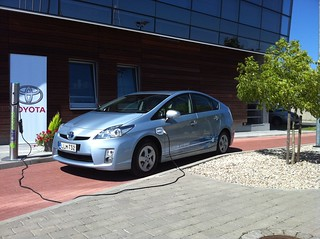 Toyota Prius Plug-in 2010 5 | by Janitors