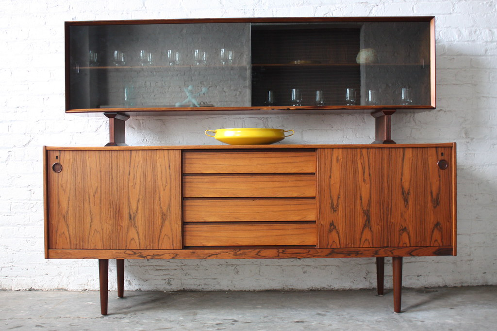 Danish Credenza Hutch : Undeniable dyrlund roswood danish mid century modern credeu flickr