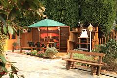Jardín con Barbacoa. Casas Rurales Pradina