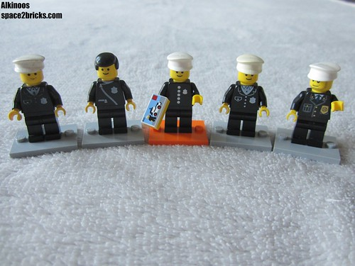 Lego minifigures S18 Policeman p2 | by Alkinoos_38