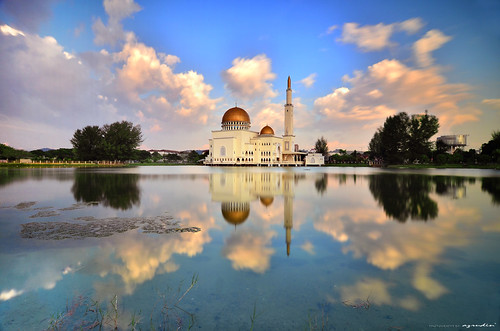 city travel blue light sunset sky panorama cloud sun lake reflection art nature water stone architecture landscape photography mirror boat nikon cityscape slow tokina1224 mosque filter malaysia slowshutter masjid graduated waterflow longexposures 10stop graduatedfilter bw110 sifoocom gnd09 d7000 bw106 bw1000 azrudin