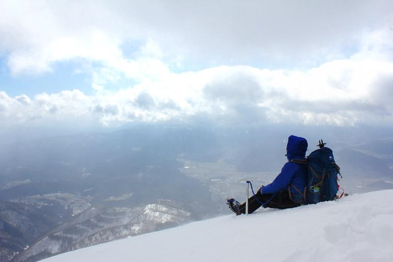 冬の伊吹山の山頂から