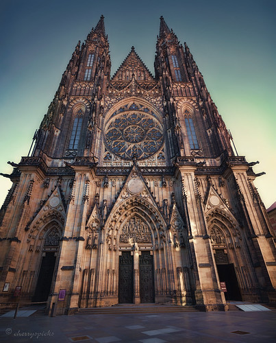 stvitus prague church cathedral gothic architecture building historic timordomini worship lowpov czech